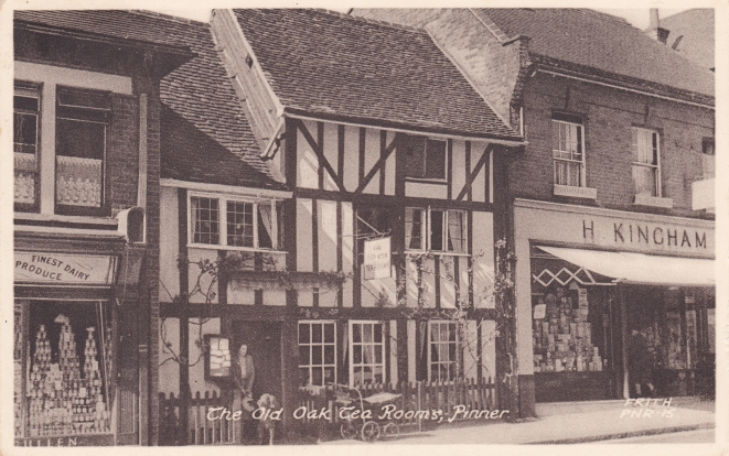 The Old Oak Tea Rooms in the High Street in the 1950's